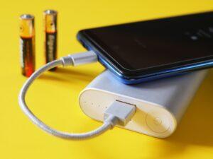 best wireless power banks iphone laptops ipads